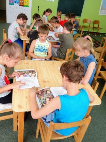 Školní čítárna profituje z podpory Nadace OKD f02