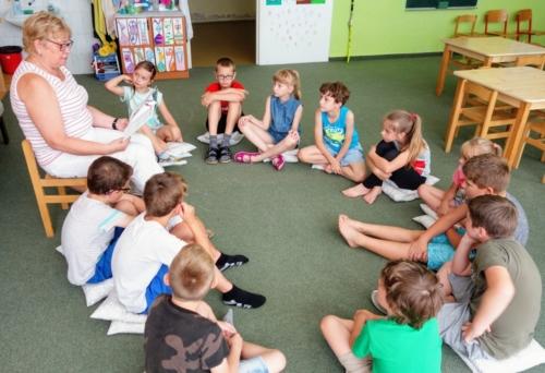 Školní čítárna profituje z podpory Nadace OKD f03