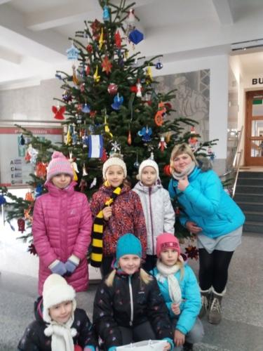 Úspěch ŠD v soutěži havířovských škol o nejkrásnější vánoční ozdobu f02