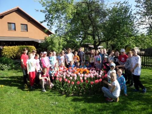 Žáci oslavili Den Země f06